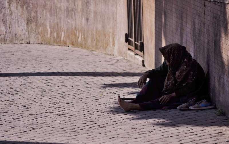 難民常被遺落在社會安全網之外。(圖/Pixabay)