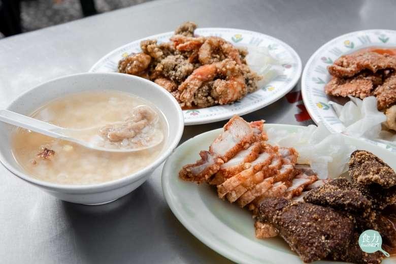 看似樸實的肉粥,鮮暖滋味可暖胃。(圖/食力foodNext)