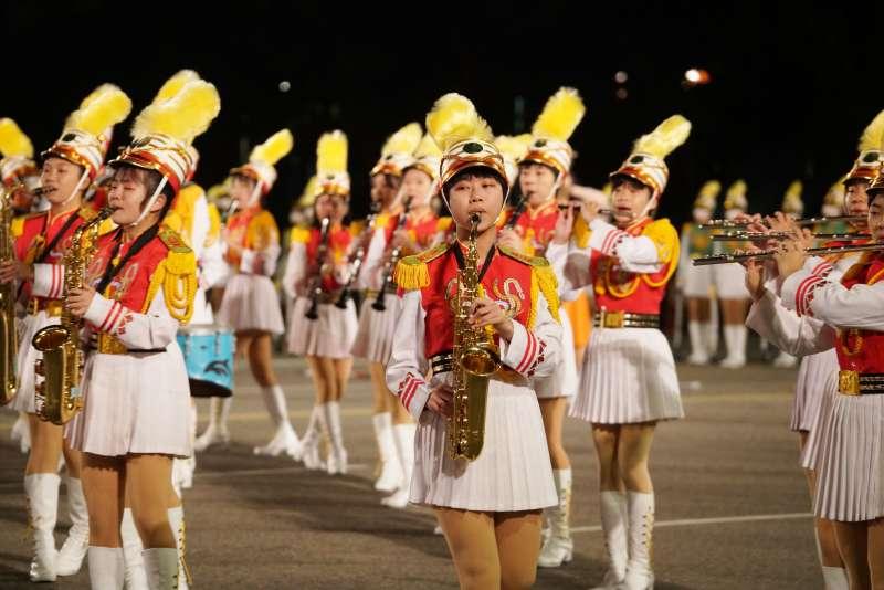 20210101-總統府元旦升旗於1日舉行,圖為北一女樂隊表演。(盧逸峰攝)