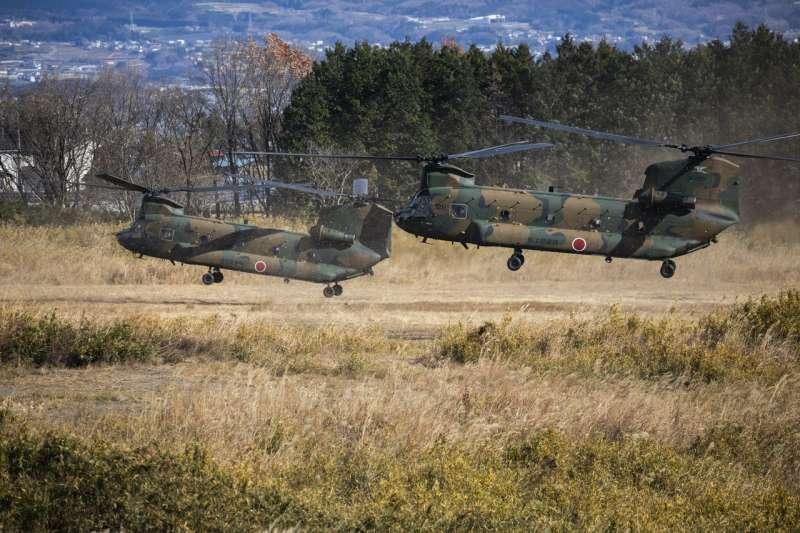 日本群馬縣,載有美國陸戰隊士兵的CH-47直升機。(SHIHO FUKADA FOR THE WALL STREET JOURNAL)