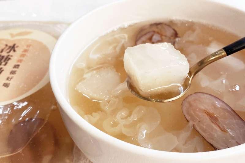 8more結合水梨、銀耳、杏仁、山藥等白色食物,引發熱烈搶購