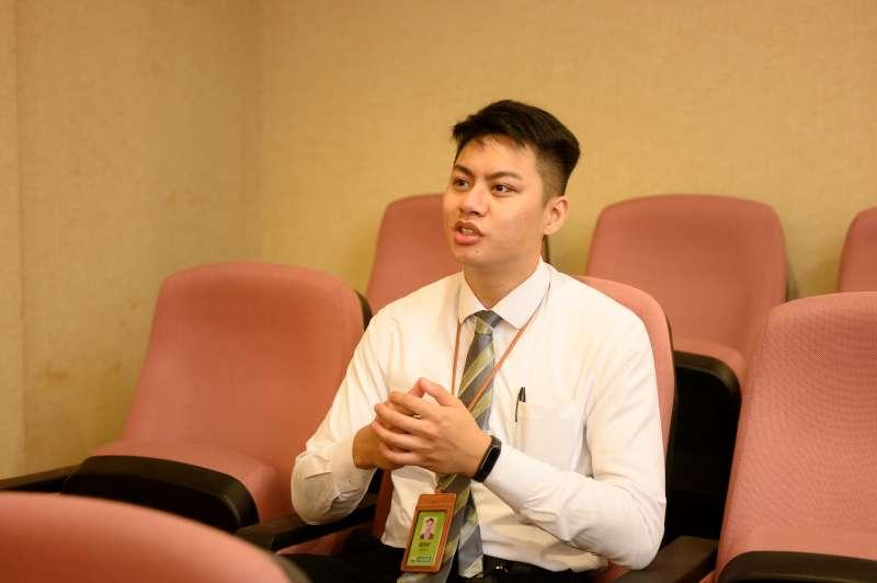 信義房屋蘆洲長安店主任蔡明軒喜愛助人,入行一年多業績名列前茅。