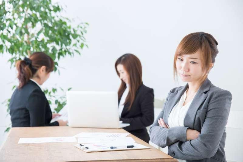你身邊也有這種討人厭的同事嗎?(圖/取自photoAC)