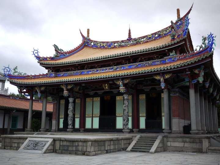 由於孔子崇尚樸實,所以孔廟的建築較簡單樸素,不像一般廟宇有華麗的裝飾。(圖片來源:大同區孔廟)