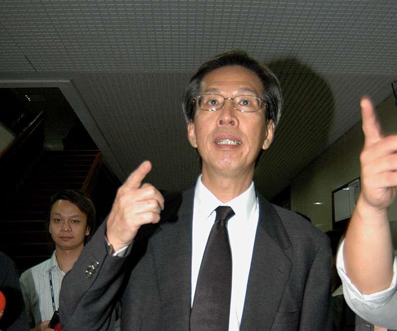 2006年SOGO案爆發,黃芳彥遭檢調傳問。(新新聞資料照)