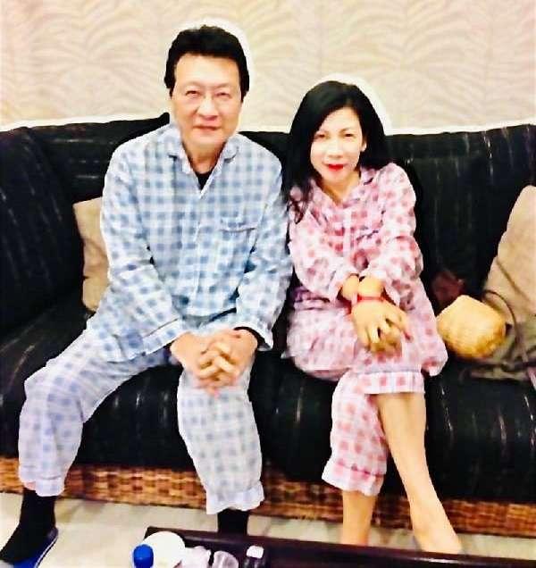趙少康膽囊炎,陳文茜免疫系統受攻擊,兩人成為振興醫院的病友。(陳文茜臉書)