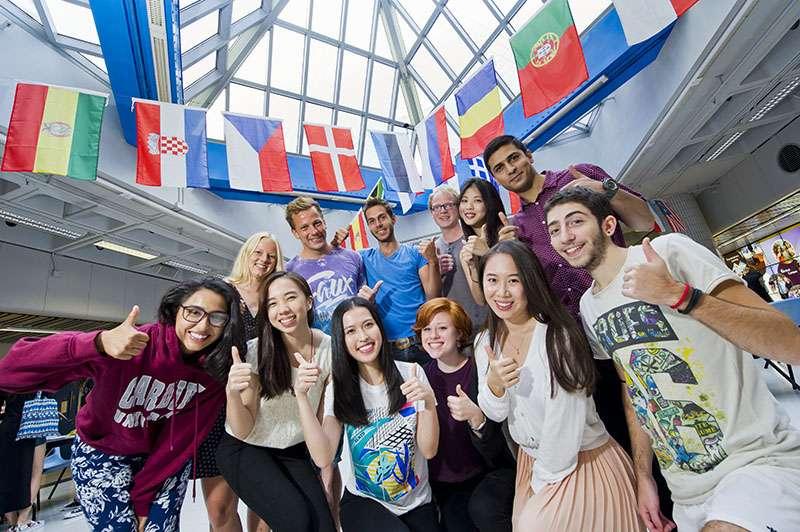 城大優才學子計劃,讓成績優異的學生根據興趣及能力選擇適合自己的課程。(圖/香港城市大學)