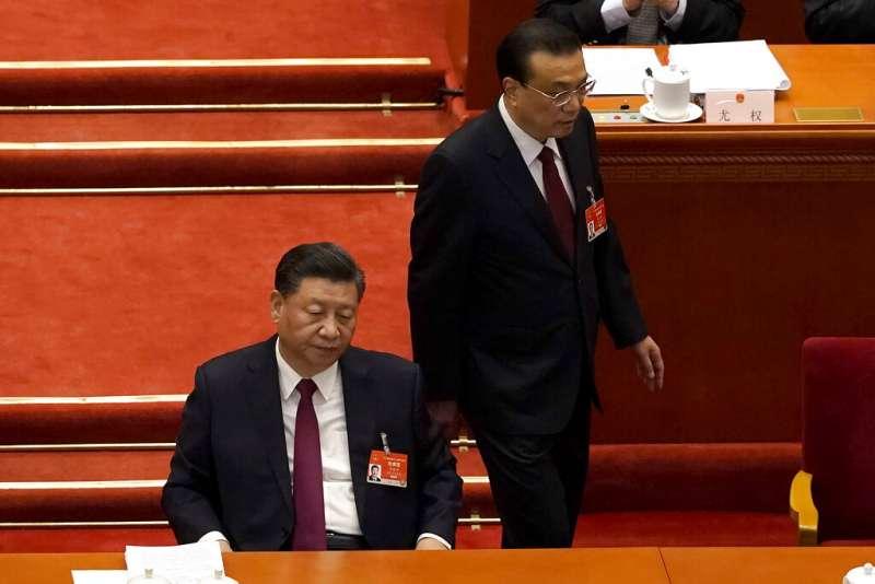 中國全國人民代表大會與全國政協會議(簡稱「兩會」)3月4日、5日在北京登場,中國國家主席、中共總書記習近平與中國總理李克強出席。(AP)