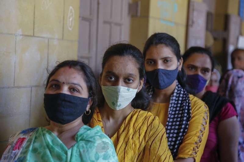 印度厭女情節嚴重,性侵受害者常礙於污名,被迫嫁給性侵犯。(AP)