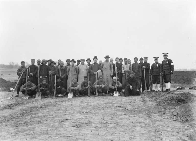 1929 年春天由李濟主持殷墟發掘工作,中研院史語所開始用近現代考古方法,開探發掘。(圖/取自中央研究院 研之有物)