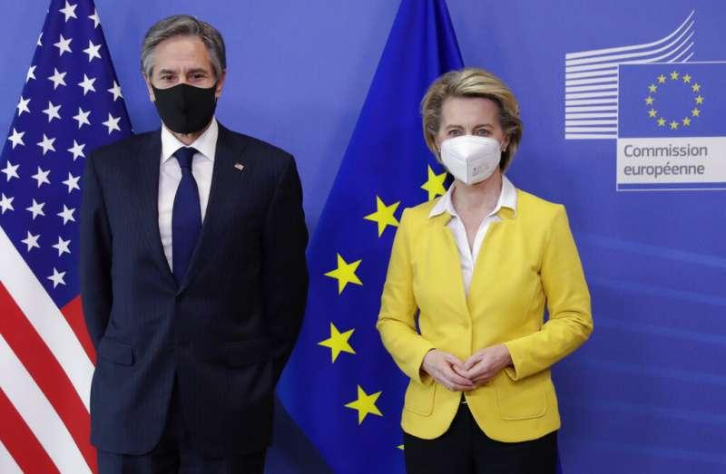 美國國務卿布林肯與歐盟執委會主席馮德萊恩(Ursula von der Leyen)。(美聯社)
