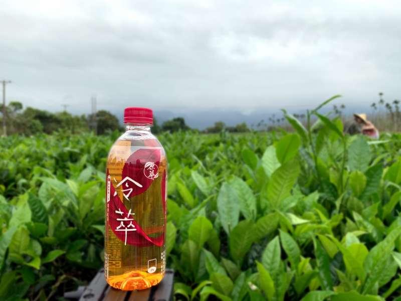 嚴選台灣純淨的山水地花蓮舞鶴蜜香紅茶,甘甜不苦澀的果蜜香,讓消費者恍若走進無垠的純淨,享受品茗的樂趣。(圖片提供:可口可樂公司)