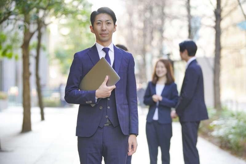 薪水高的工作就可以做一輩子?過來人:30歲以前了解「換工作」的重要性。(圖/取自PhotoAC)