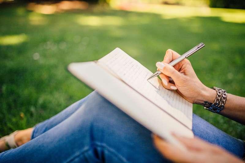 做筆記 抄寫(圖/取自Pixabay)