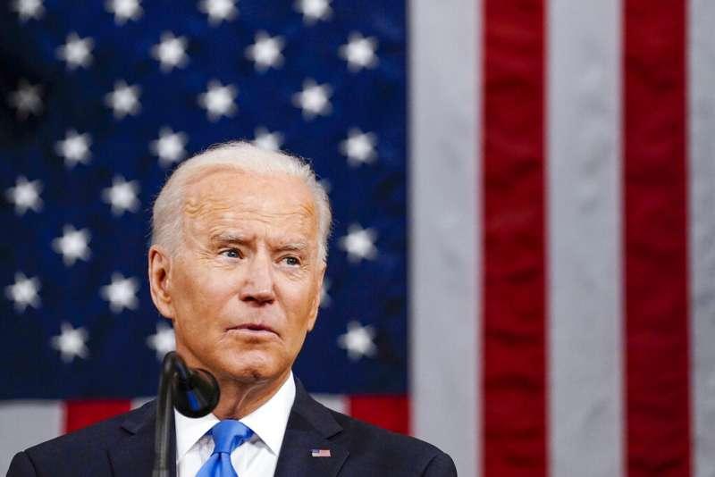 美國總統拜登28日晚間發表國會聯席演說。(美聯社)