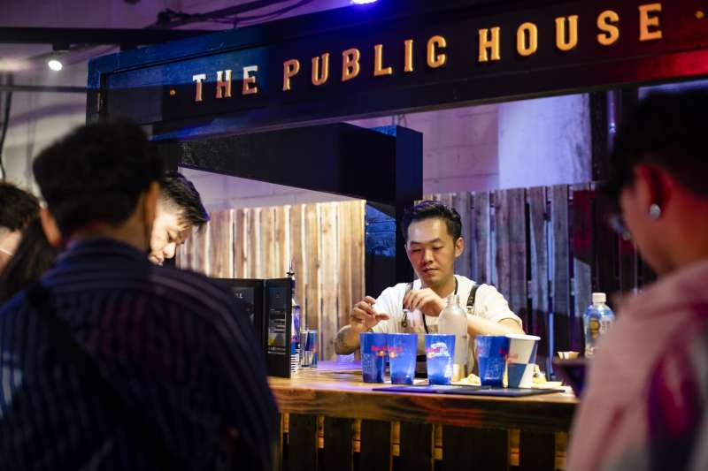 Red Bull Bar Block無夜城集結台北15間精選特色酒吧。(圖片提供:RED BULL)
