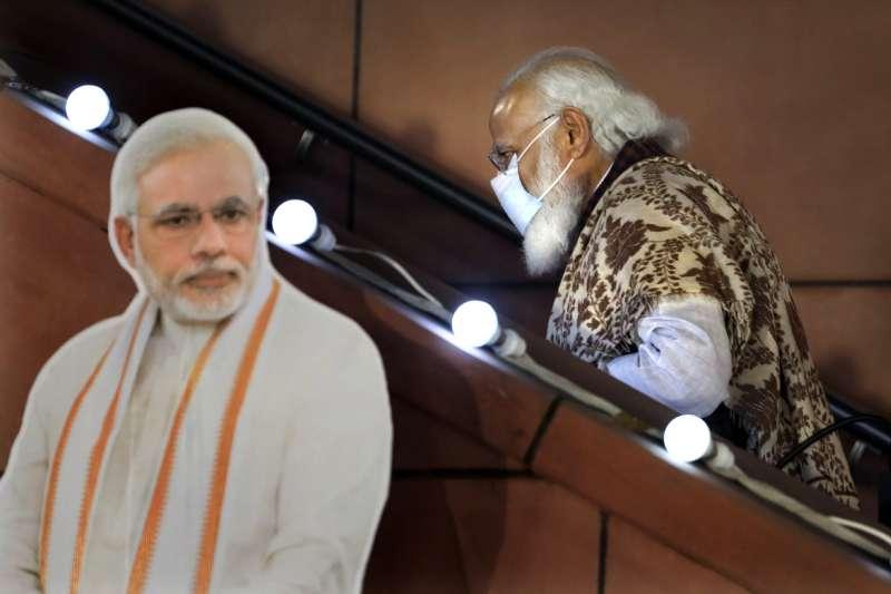 2021年,印度新冠肺炎疫情瀕臨失控,總理莫迪(Narendra Modi)威望大損(AP)