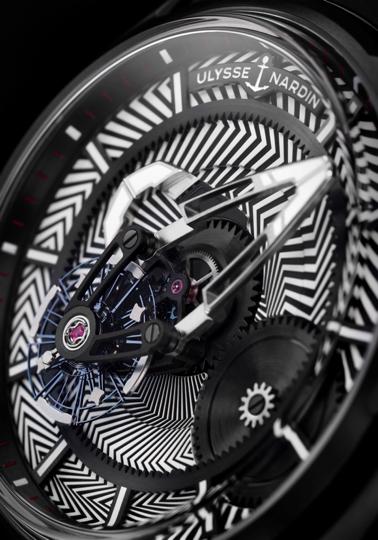 醒目的高科技Tapisserie格紋圖案(圖/雅典錶提供)
