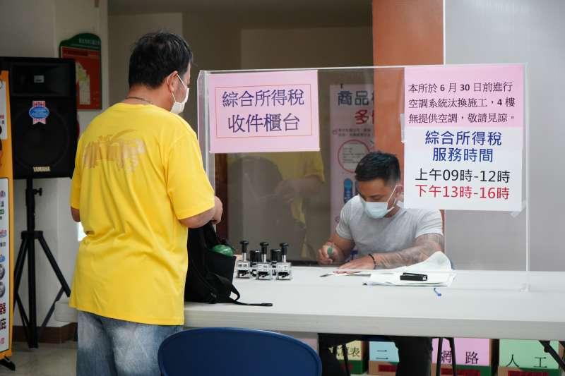 防疫警戒,林口公所暫停辦理報稅服務。(圖/新北市林口區公所提供)