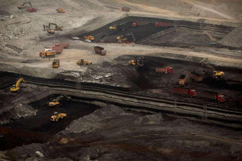 內蒙古發起的一場對涉煤腐敗倒查行動最先吸引關注,隨後向全國發散。內蒙古是中國最大的產煤區之一。(AP)