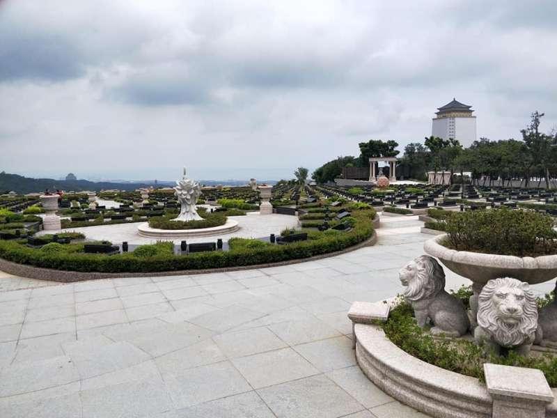 龍巖真龍殿廣場外觀(圖片來源:作者提供)