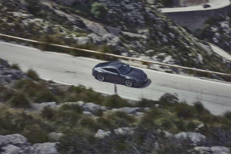 911 GT3絕倫出色的運動員不過度炫技,而忠於單純低調的哲學。(圖/Porsche提供)