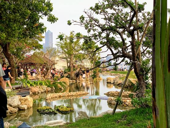 蓬萊商港區新闢親水空間-水花園。(圖/高雄港務分公司提供)