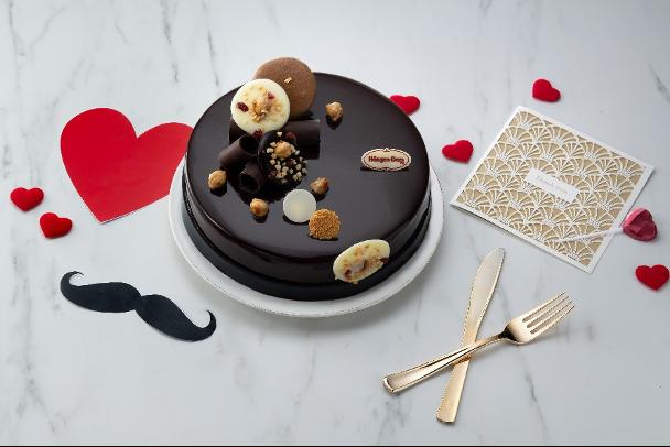典雅精緻的高級絲滑質感,用濃郁的巧克力喚醒爸爸心中甜蜜的回憶(圖 / Häagen-Dazs提供)