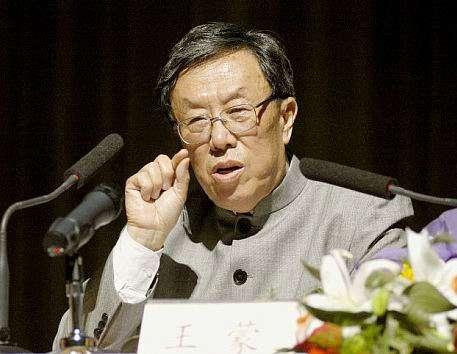王蒙在1945年13歲時加入中國共產黨,23歲在「反右」鬥爭中落馬,1986到1989年卻當上文化部長、全國政協常委。(資料照,歐陽聖恩提供)