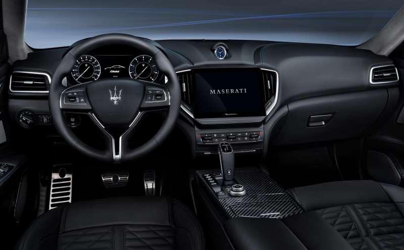 車艙內以現代智能系統結合一系列人性化設計,帶來更極致的乘車體驗(圖 / Maserati 提供)