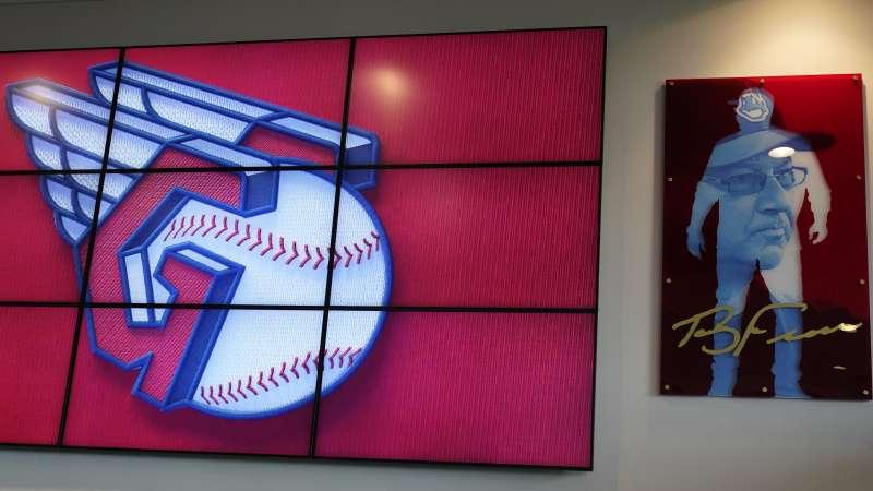 2021年7月23日,美國職棒大聯盟「克里夫蘭印地安人隊」(Cleveland Indians)宣布改名為「克里夫蘭捍衛者隊」(Cleveland Guardians),這是新隊徽(AP)