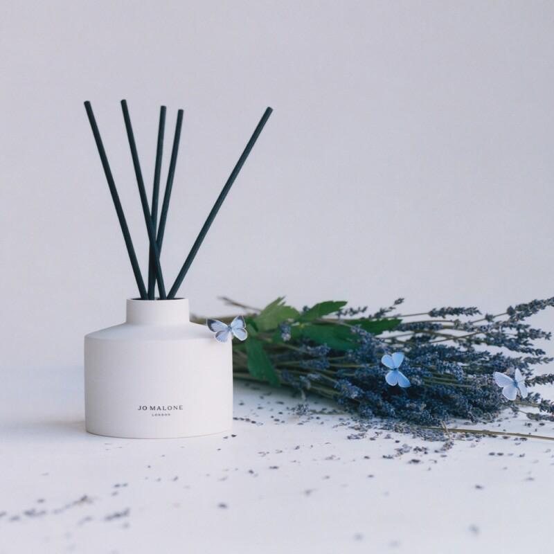 紫色薰衣草與獨活草擴香 Lilac Lavender & Lovage Diffuse(圖 / Jo Malone London 提供)