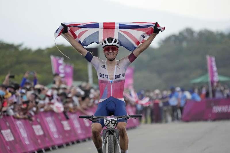 2021東京奧運山地車越野賽金牌得主,英國選手皮考克(Tom Pidcock)。(美聯社)