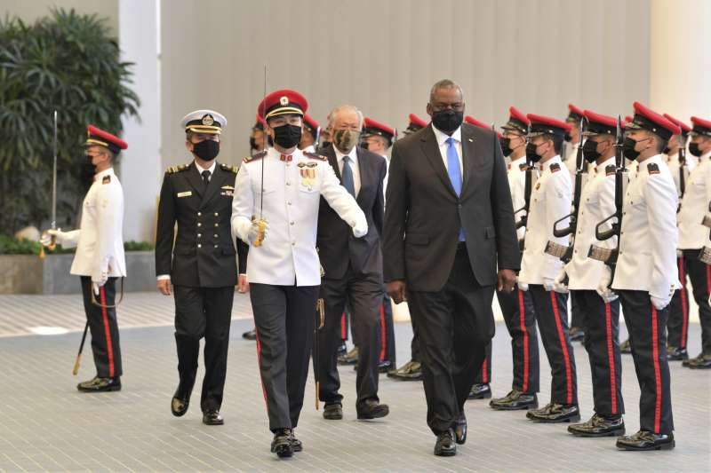 出訪新加坡的美國國防部長奧斯丁。(AP)