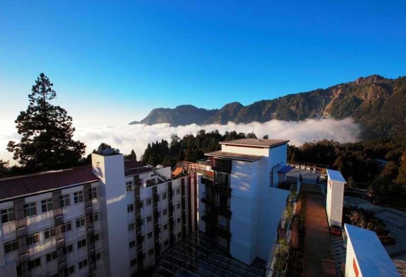 與日出、雲海、森林共處,融入阿里山遺世獨立閒恬的意境。(圖/HotelsCombined提供)