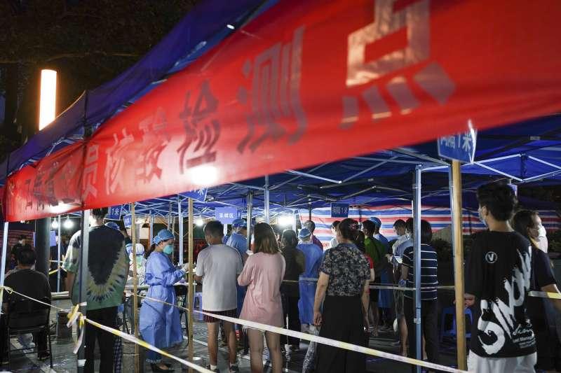 2021年7月,中國南京新冠肺炎疫情再度爆發(AP)