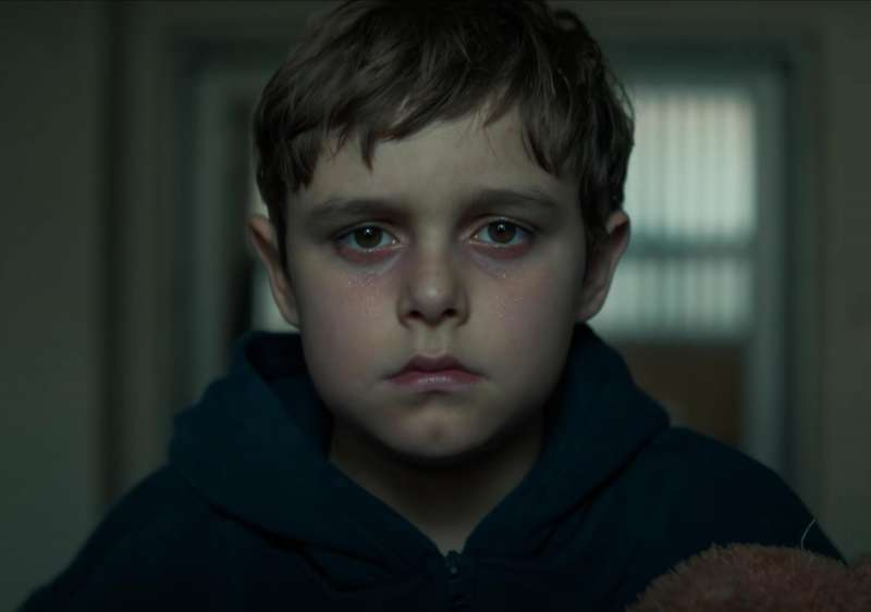 飾演Elias的Carl Anton Koch雖然只有12歲,但演技已經比同場的大人更精湛。(圖/香港01提供)