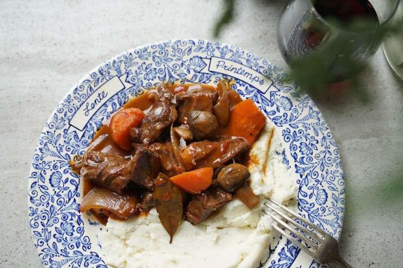 微辣奶油燉牛肉(圖/LOUU提供)