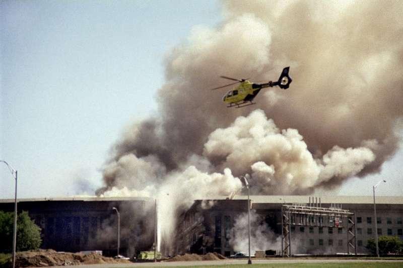 九一一、2001年9月11日,美國國防部五角大廈遭蓋達組織劫持飛機撞毀。(AP)