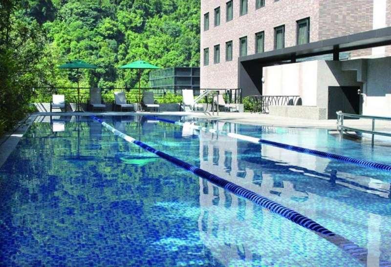 戶外游泳池(圖/HotelsCombined提供)