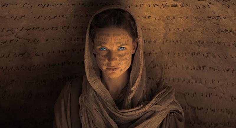Rebecca Ferguson是代表「貝尼哲斯」。《沙丘瀚戰》劇照。(圖/取自IMDB)
