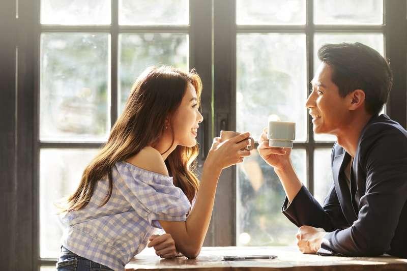 春天會館戀愛秘書表示,大齡男女的時間寶貴,婚友社可安排面對面聯誼更有效率。