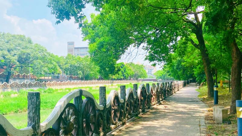 豆子埔溪上游擬規劃配合既有步道及自行車道串連,提供民眾休閒活動空間。(圖/方詠騰)