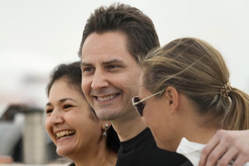 2021年9月25日,被中國政府當成「人質」羈押近3年的加拿大公民康明凱(Michael Kovrig)返回加國(AP)
