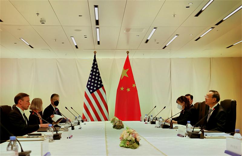 美國白宮國家安全顧問蘇利文(Jake Sullivan)與中共中央政治局委員楊潔篪,於10月6日在蘇黎世舉行了6小時的閉門會談。