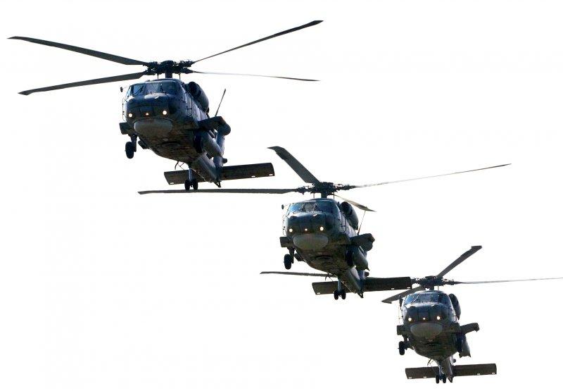 20170118-國軍春節加強戰備巡弋第二日,來到海軍左營基地。現場展示職司反潛作戰的S-70C(M)反潛直升機緊急起飛。(蘇仲泓攝)