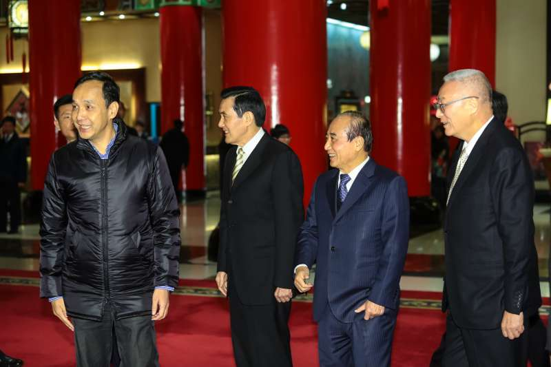 朱立倫、馬英九、王金平、吳敦義一同出席國民黨高層團結宴。(顏麟宇攝)