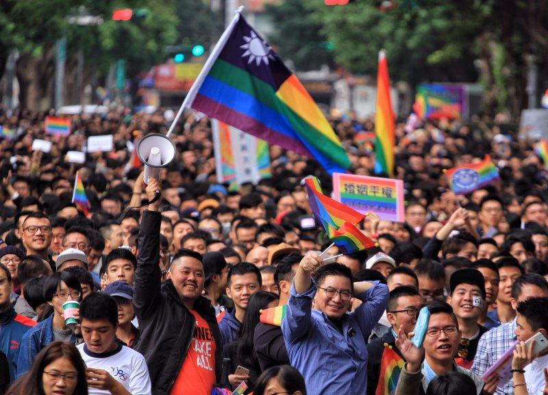 20161128同志團體及婚姻平權支持者聚集立法院反對另立同志婚姻法,要求直接修改民法。(建議可主圖)