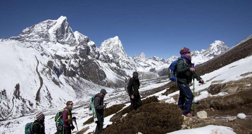 全球最高「垃圾場」! 聖母峰峰頂驚現塑膠微粒汙染蹤跡