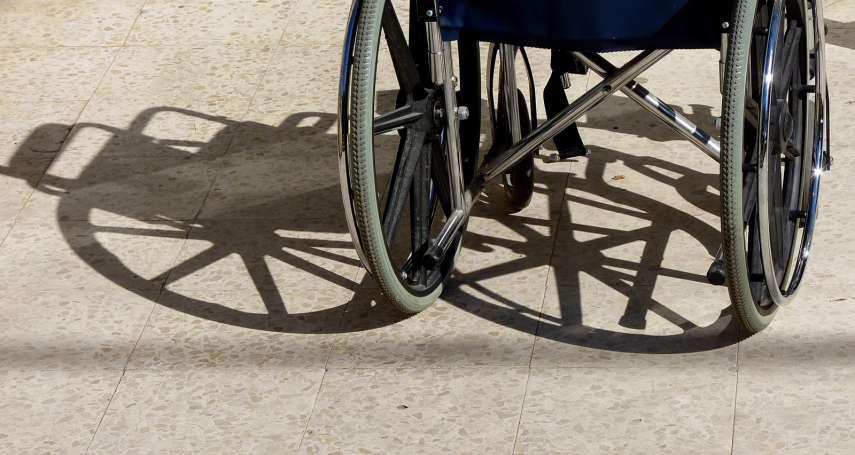 因意外下身癱瘓,從此每天爛醉路邊…直到一位女師父這樣開導他,才讓人生再度「站起來」